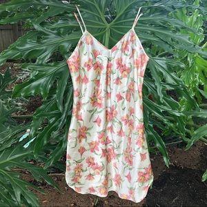 Vintage floral print slip / dress lingerie